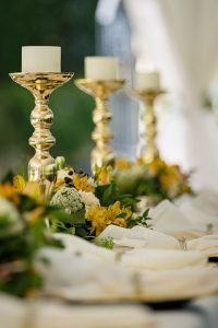 candle_sticks_spring_table_5_tips_northeast_ohio_suzanne_m_harvey_design.jpg